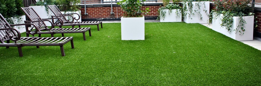 deck with artificial grass